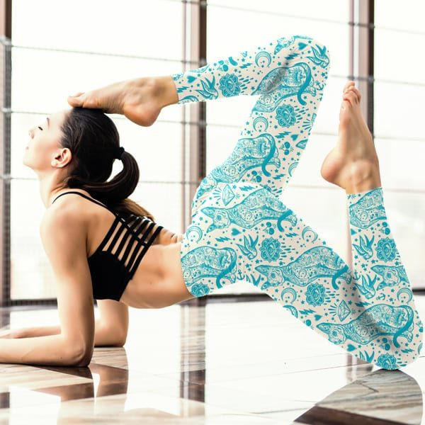 Tattoo Blue and White Cat Pattern Leggings